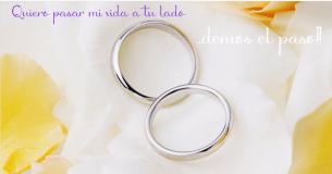 Los anillos son el símbolo de compromiso de dos personas para las postales de amor perfectas.