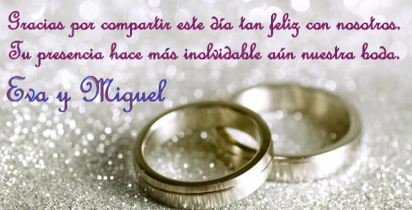 Imagen de anillos de compromiso para postales de bodas.