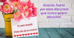 Frases para mamá en imágenes con flores.
